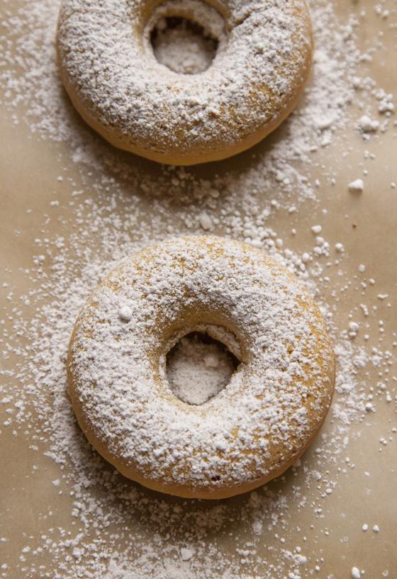 powdered_sugar_donut