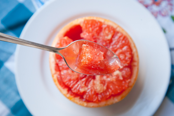 Broiled Grapefruit with Ginger Sugar | picklesnhoney.com #grapefruit #ginger #breakfast