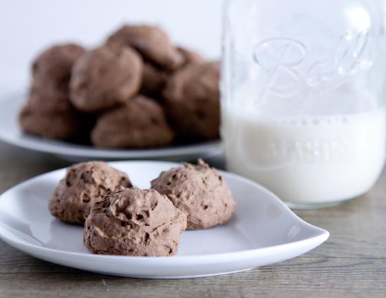 chocolate_meringue_cookies