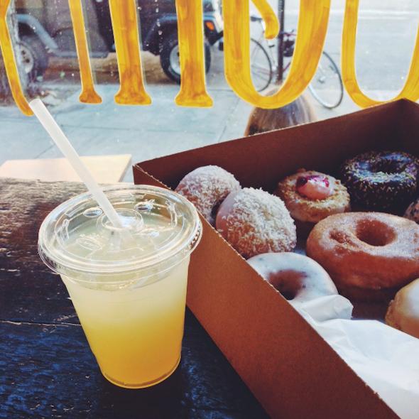Dun-Well Doughnuts & Lemonade