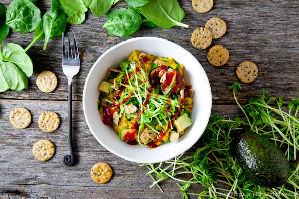 Healthy Vegan Savory Oatmeal! So easy and ready in under 15 minutes! | picklesnhoney.com #vegan #glutenfree #savory #oatmeal #recipe #main #lunch #dinner #breakfast