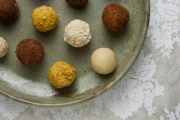 15-Minute Vegan Marzipan Recipe and How to Make EASY Vegan Marzipan Truffles! | picklesnhoney.com #vegan #marzipan #truffles #recipe #dessert #glutenfree