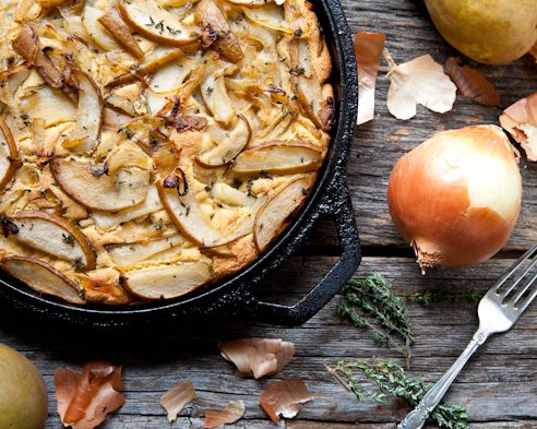 Skillet Cornbread with Caramelized Onions, Pears & Thyme (Vegan & GF) // picklesnhoney.com