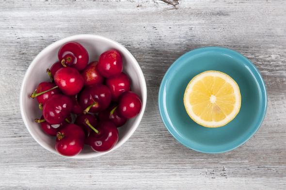 Cherry Cheesecake Protein Power Smoothie (Vegan) | picklesnhoney.com