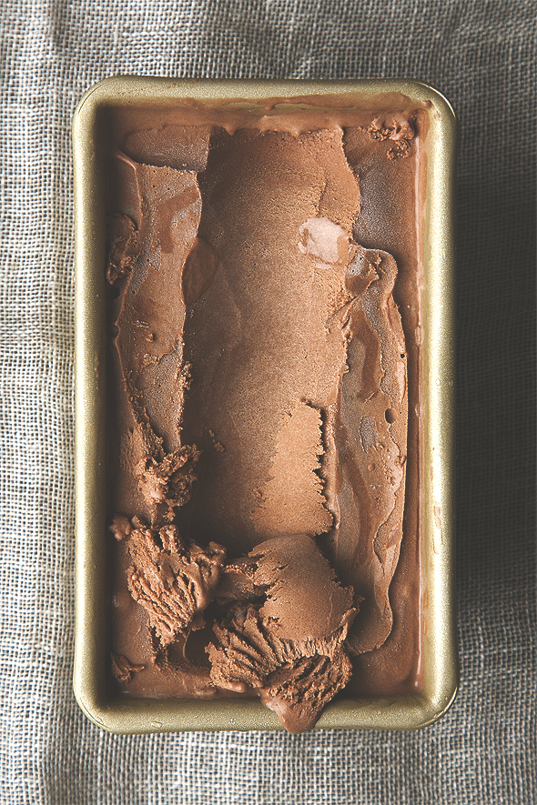 Vegan Salted Dark Chocolate Olive Oil Ice Cream! Extra rich, creamy, and decadent. | picklesnhoney.com #chocolate #oliveoil #icecream #dessert #recipe #vegan #glutenfree #nondairy