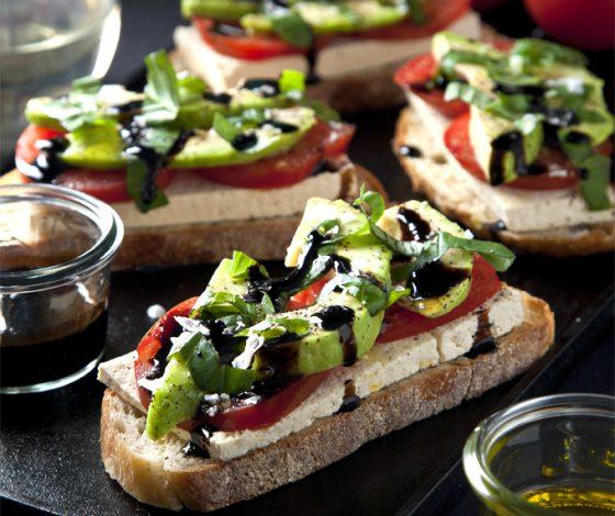 Open-Faced Vegan Caprese Sandwiches | picklesnhoney.com
