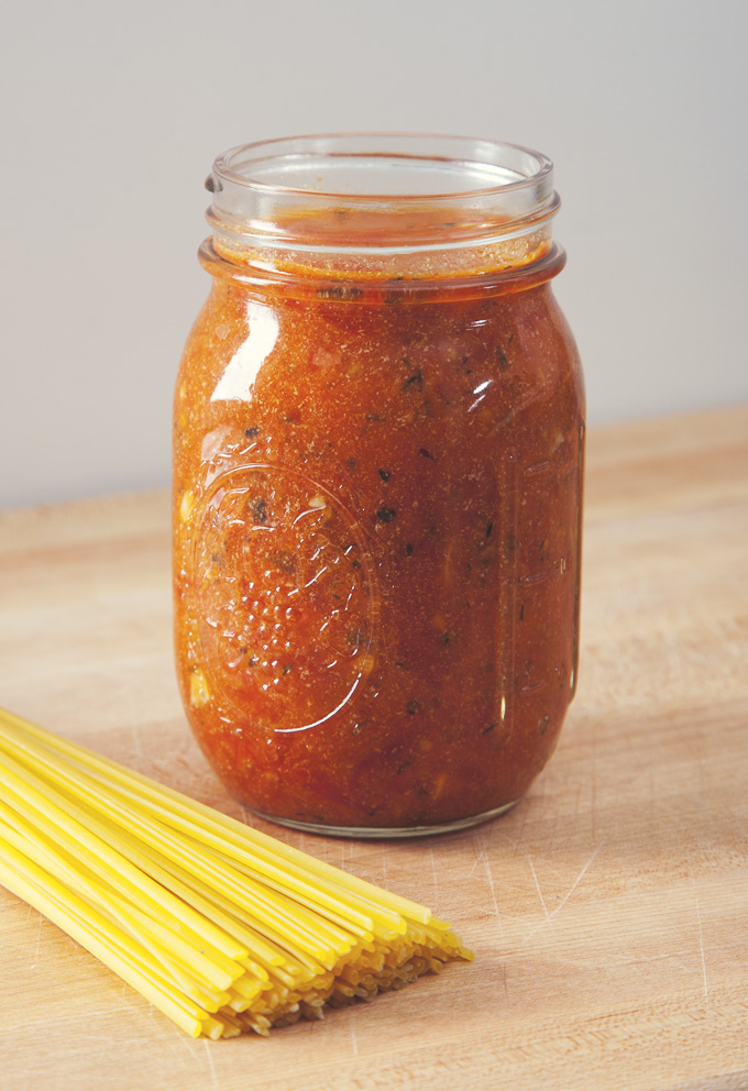 AWESOME Marinara Sauce in just 20 minutes! Use whole peeled tomatoes for a classic marinara, or diced tomatoes for a chunky sauce. | picklesnhoney.com #marinara #sauce #tomato #spaghetti #vegan #glutenfree #sugarfree #recipe #italian