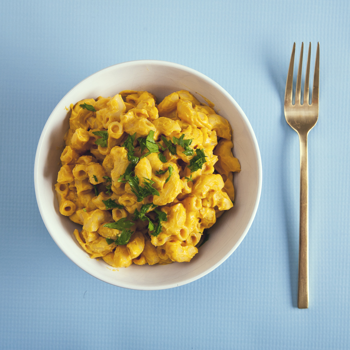 Protein-Packed Butternut Squash Macaroni and Cheese (Vegan) | picklesnhoney.com