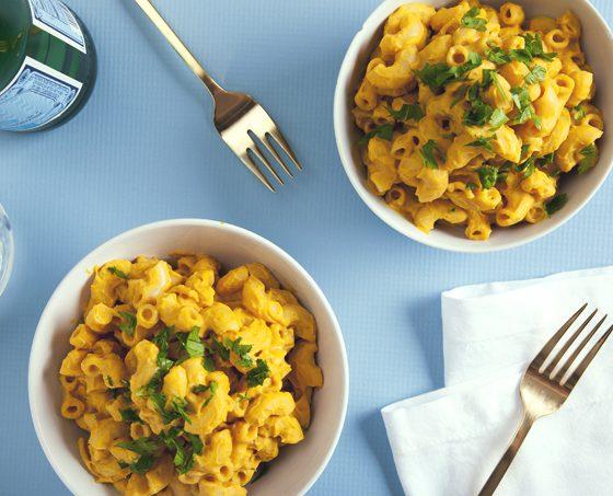Protein-Packed Butternut Squash Macaroni and Cheese (Vegan) | picklesnhoney.com