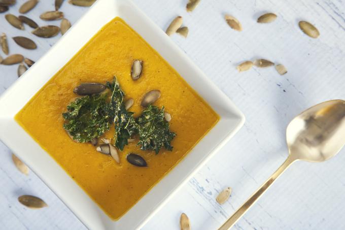 EASY Freezer-Friendly Pumpkin Soup! (Vegan & Gluten-Free) | picklesnhoney.com #vegan #pumpkin #soup #recipe #freezer