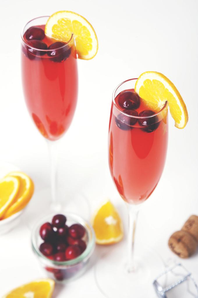 Cranberry Ginger Kombucha Mimosas | picklesnhoney.com