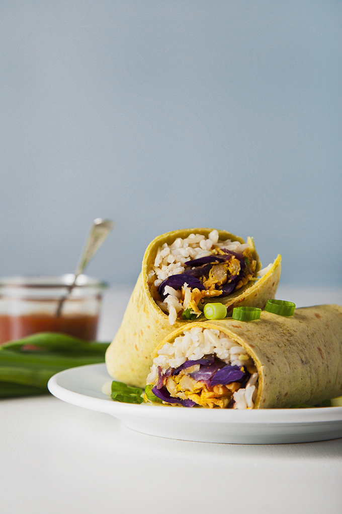 EASY vegan freezer burritos that are better tasting and better for you! Make them in advance for convenient breakfasts, lunches or dinners during the week.   picklesnhoney.com #vegan #freezer #burrito #recipe #lunch #dinner #breakfast