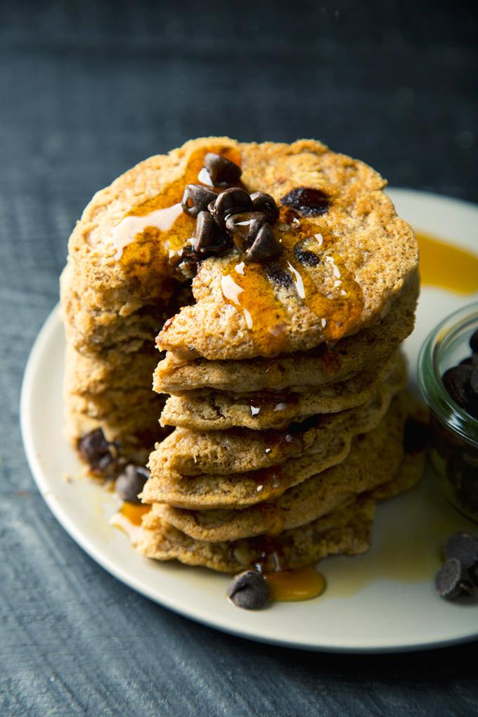 Vegan & Gluten-Free Chocolate Chip Oatmeal Cookie Pancakes | picklesnhoney.com