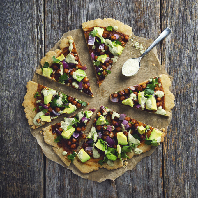 Vegan & Gluten-Free BBQ Chickpea Pizza with Easy Ranch Dressing | picklesnhoney.com