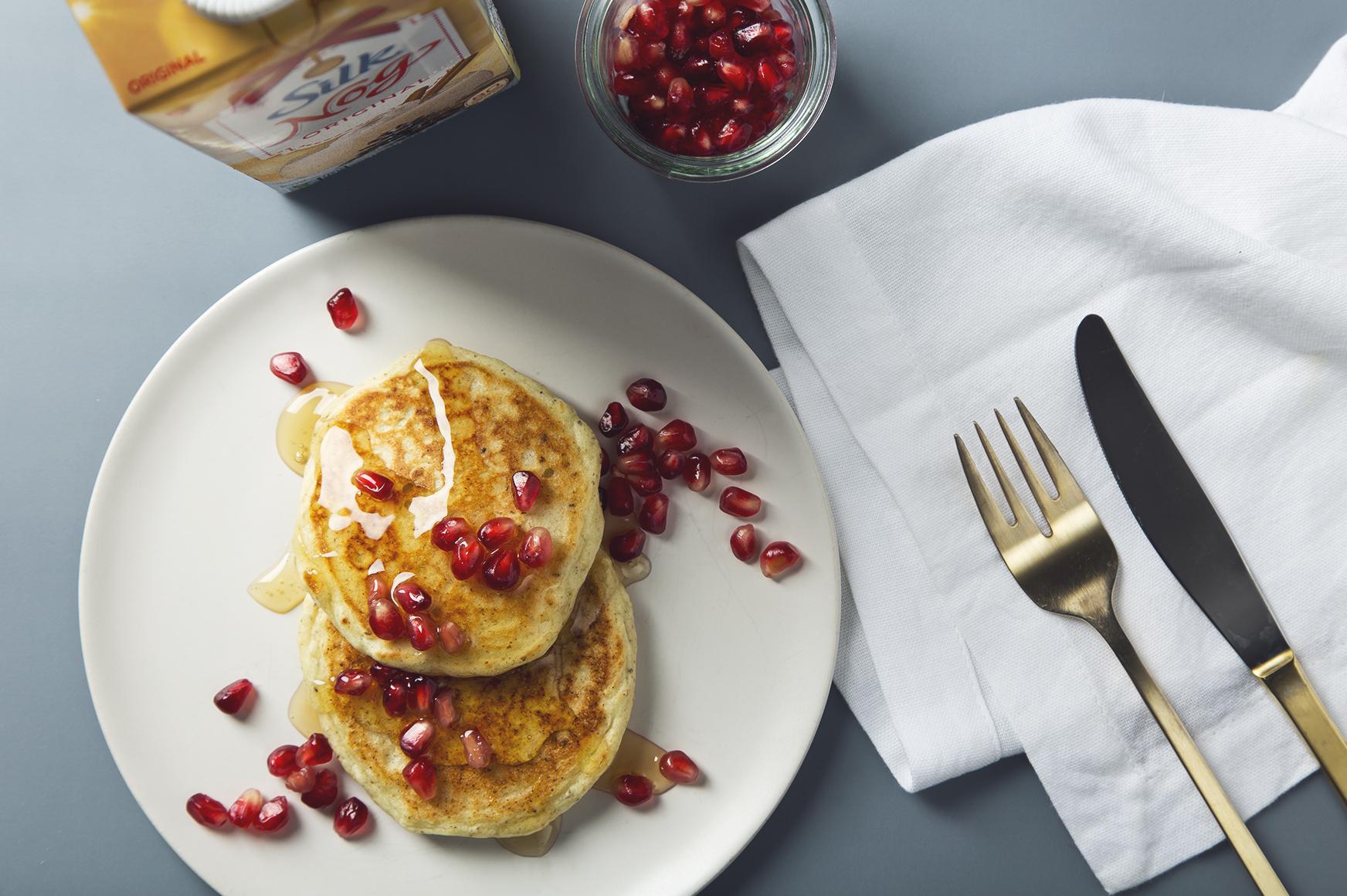 Easy Vegan Egg Nog Pancakes! 7 Ingredients   picklesnhoney.com #recipe #vegan #eggnog #holidays #pancakes #dairyfree #breakfast #brunch
