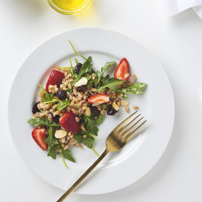 Arugula, Almond & Farro Salad   picklesnhoney.com #vegan #salad #farro #recipe