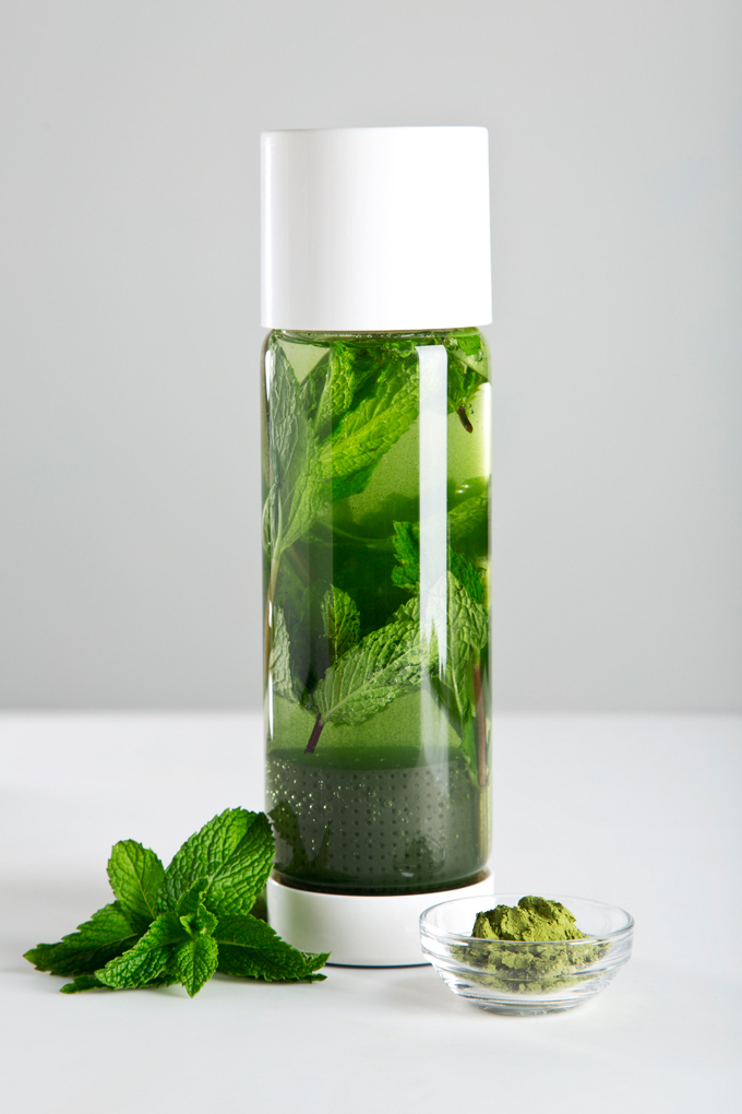 Mint Matcha Green Tea Recipe | picklesnhoney.com #tea #matcha #greentea