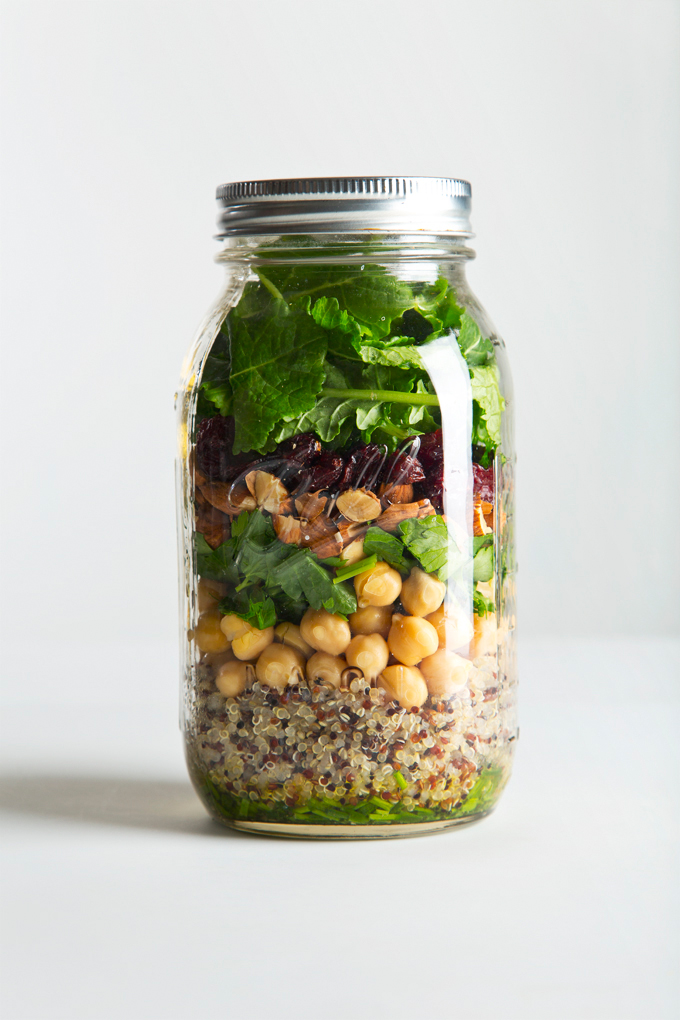 Quinoa & Kale Mason Jar Salad | picklesnhoney.com #quinoa #kale #salad #recipe