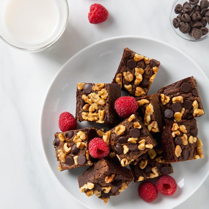 Vegan Sweet Potato Brownies | picklesnhoney.com #vegan #brownies #sweetpotato #recipe #dessert