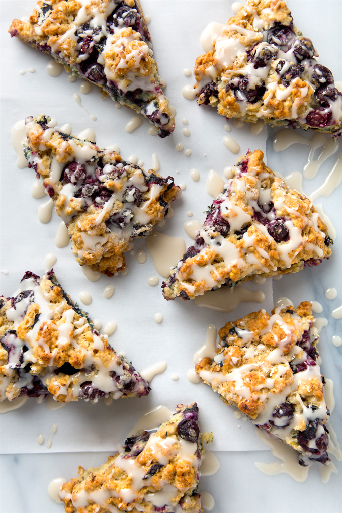 10 Ingredient Vegan Blueberry Scones | picklesnhoney.com #vegan #blueberry #scones #recipe #breakfast