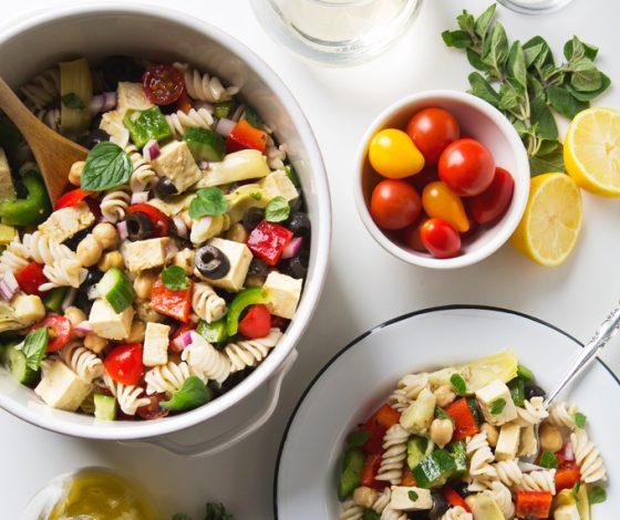 Greek Pasta Salad with Tofu Feta Cheese | picklesnhoney.com #pasta #salad #vegan #greek #glutenfree #recipe