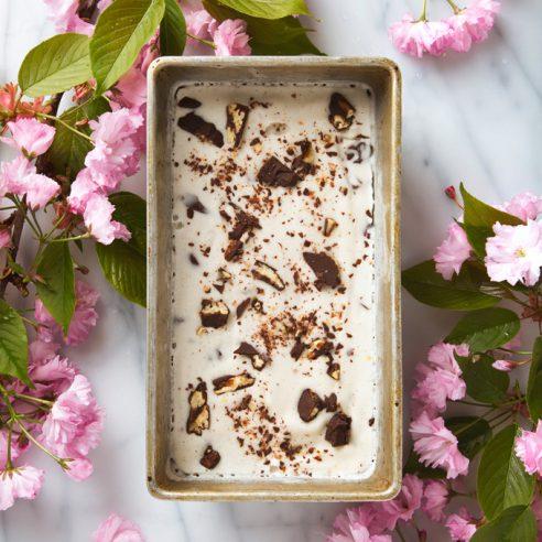 Bourbon Salted Chocolate-Pecan Cluster Ice Cream | picklesnhoney.com #vegan #icecream #recipe #vanilla #chocolate #bourbon #pecan