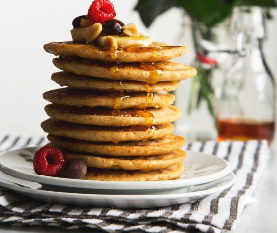 7 Ingredient Vegan Peanut Butter Protein Pancakes (Gluten-Free & Grain-Free) | picklesnhoney.com #pancakes #peanutbutter #breakfast #brunch #recipe #grainfree #glutenfree