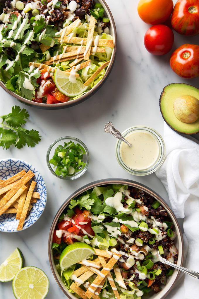 Quinoa Taco Salad with Garlicky Cashew Cream Dressing | picklesnhoney.com #vegan #quinoa #taco #salad #lunch #dinner