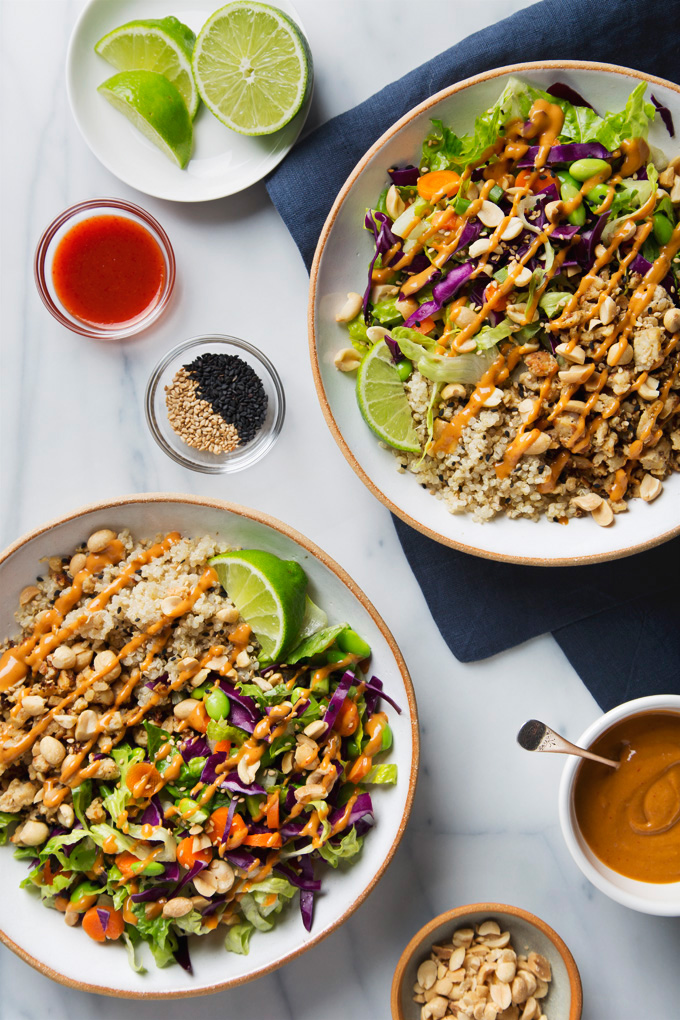 Spicy Thai Salad with Tempeh & Peanut Dressing | picklesnhoney.com #recipe #thai #salad #tempeh #peanut #main
