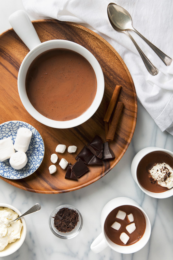 5 Minute Cinnamon Cacao Vegan Hot Chocolate | picklesnhoney.com #vegan #hotchocolate #chocolate #drink #recipe
