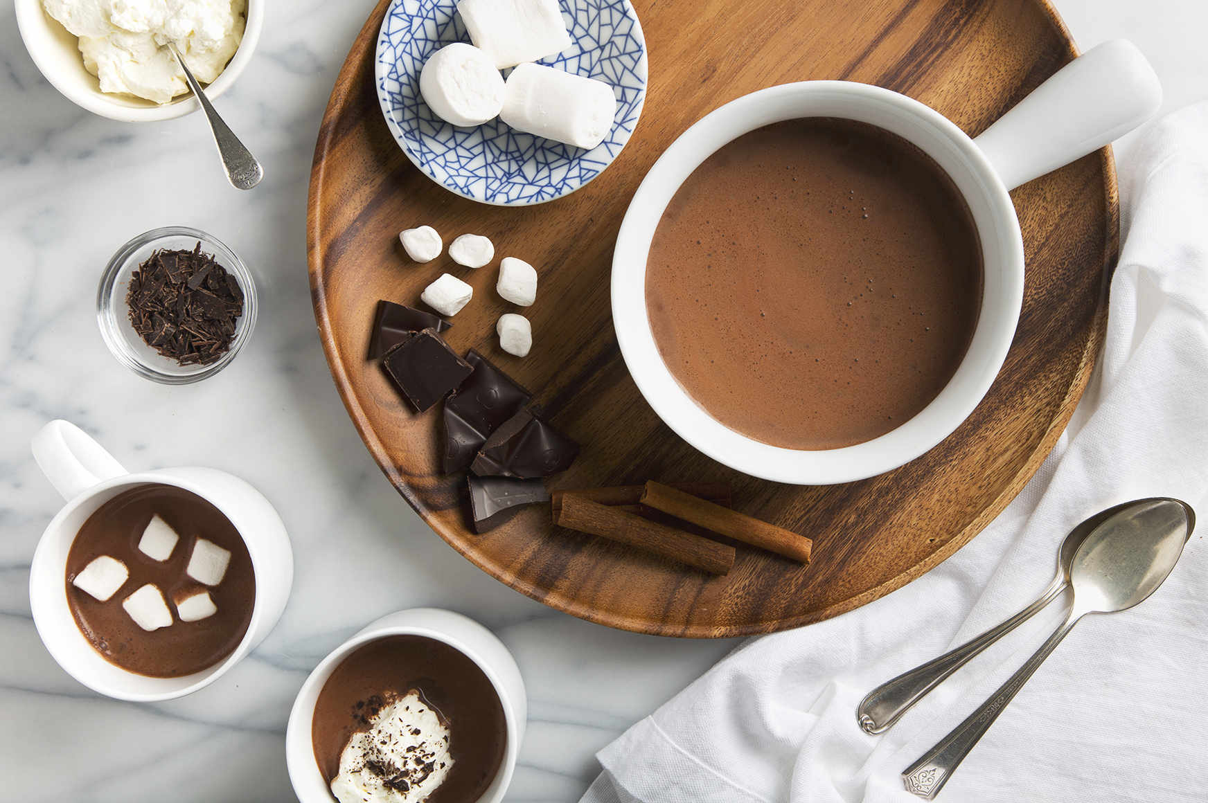 5 Minute Cinnamon Cacao Hot Chocolate | picklesnhoney.com #vegan #hotchocolate #chocolate #drink #recipe