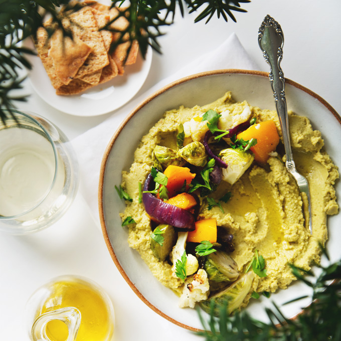 Roasted Vegetable Hummus Bowl | picklesnhoney.com #vegetable #hummus #bowl #vegan #recipe #fall #winter
