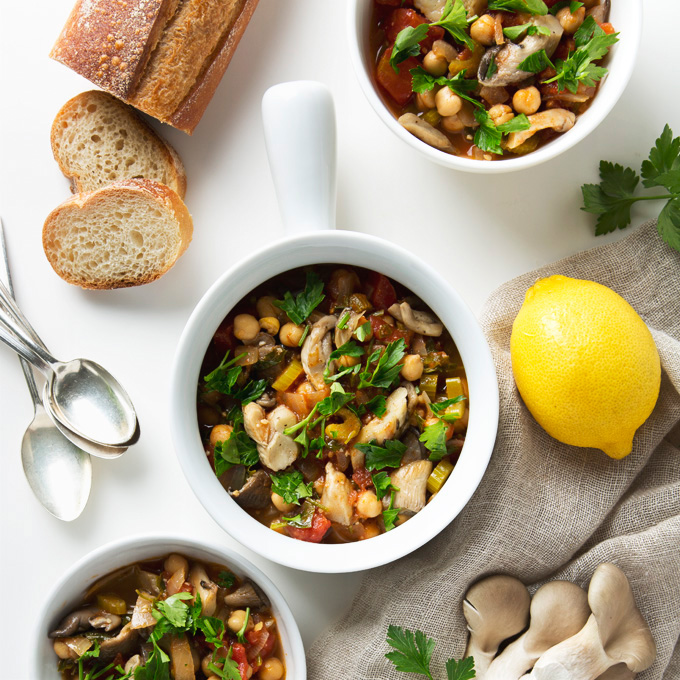 25 Minute Vegan Cioppino with Oyster Mushrooms | picklesnhoney.com #stew #cioppino #mushrooms #recipe #soup