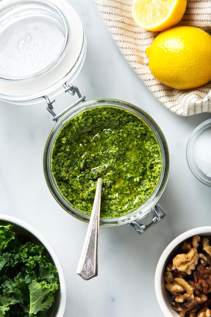 Lemony Walnut & Kale Pesto | picklesnhoney.com #vegan #pesto #recipe #kale #walnut