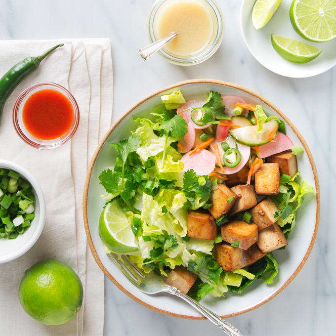 Tofu Banh Mi Salad with Quick Pickles | picklesnhoney.com #vegan #tofu #banhmi #salad #recipe #lunch #dinner
