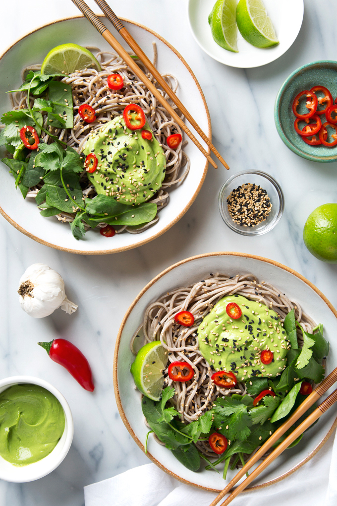 Creamy Avocado Soba Noodles | picklesnhoney.com #avocado #soba #noodles #vegan #recipe #lunch #dinner