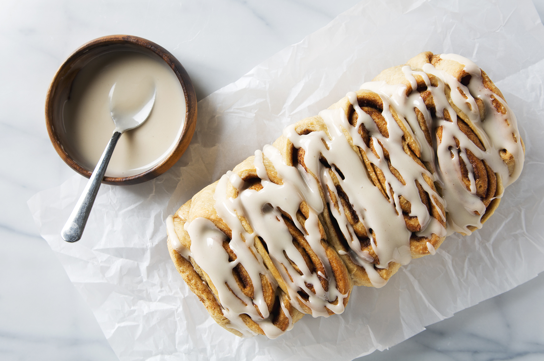 Vegan Cinnamon Roll Loaf | picklesnhoney.com #vegan #cinnamonroll #loaf #recipe #breakfast #brunch