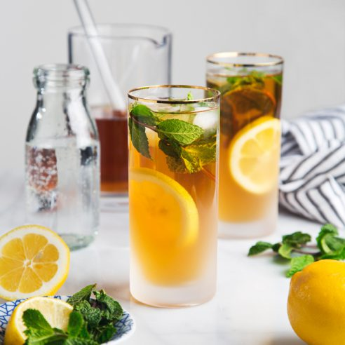 Refreshing Mint Green Tea Sodas | picklesnhoney.com #drink #beverage #mint #greantea #soda #recipe #sugarfree