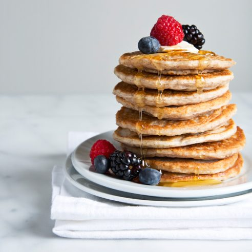 Fluffy Vegan Buttermilk Pancakes | picklesnhoney.com #vegan #buttermilk #pancakes #recipe #breakfast #brunch