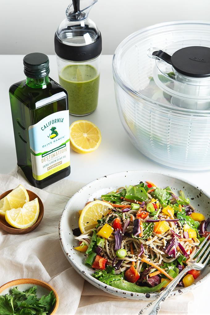 30-Minute Rainbow Soba Noodle Salad with Green Goddess Dressing | picklesnhoney.com #soba #noodles #salad #vegan #glutenfree #lunch #dinner