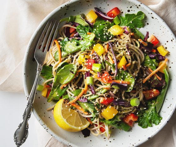 30-Minute Rainbow Soba Noodle Salad with Green Goddess Dressing | picklesnhoney.com #soba #noodles #salad #vegan #glutenfree #lunch #dinner