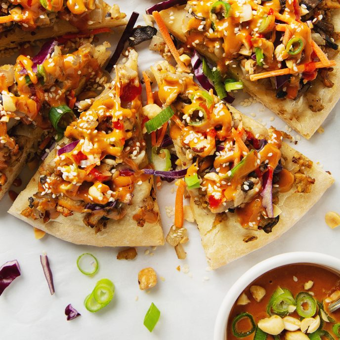 Tempeh Thai Pizza with Peanut Sauce   picklesnhoney.com #tempeh #thai #pizza #peanut #sauce #vegan #recipe #lunch #dinner