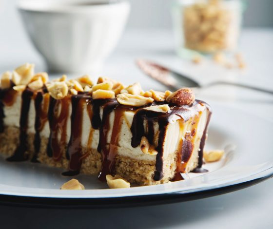 No-Bake Vegan Snickers Cheesecake Bars | picklesnhoney.com #vegan #snickers #cheesecake #dessert #recipe #glutenfree